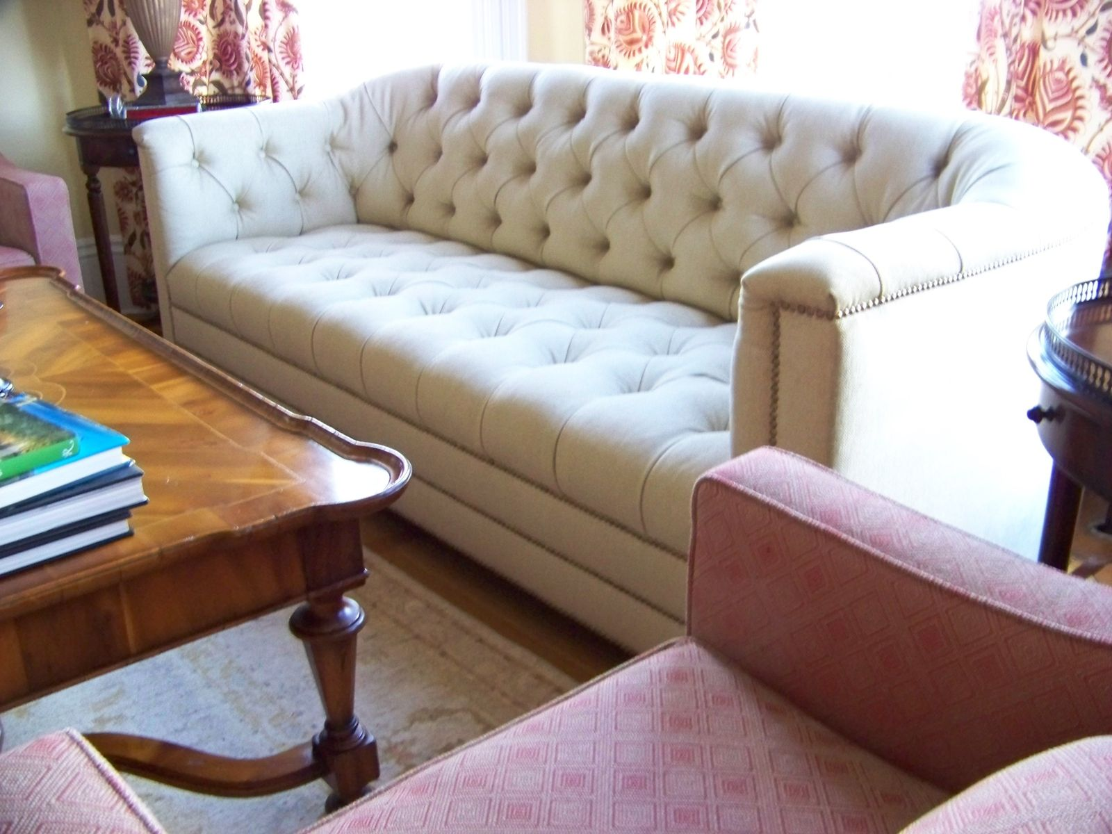 hand made catherine curved back tufted sofa by ashley. Black Bedroom Furniture Sets. Home Design Ideas