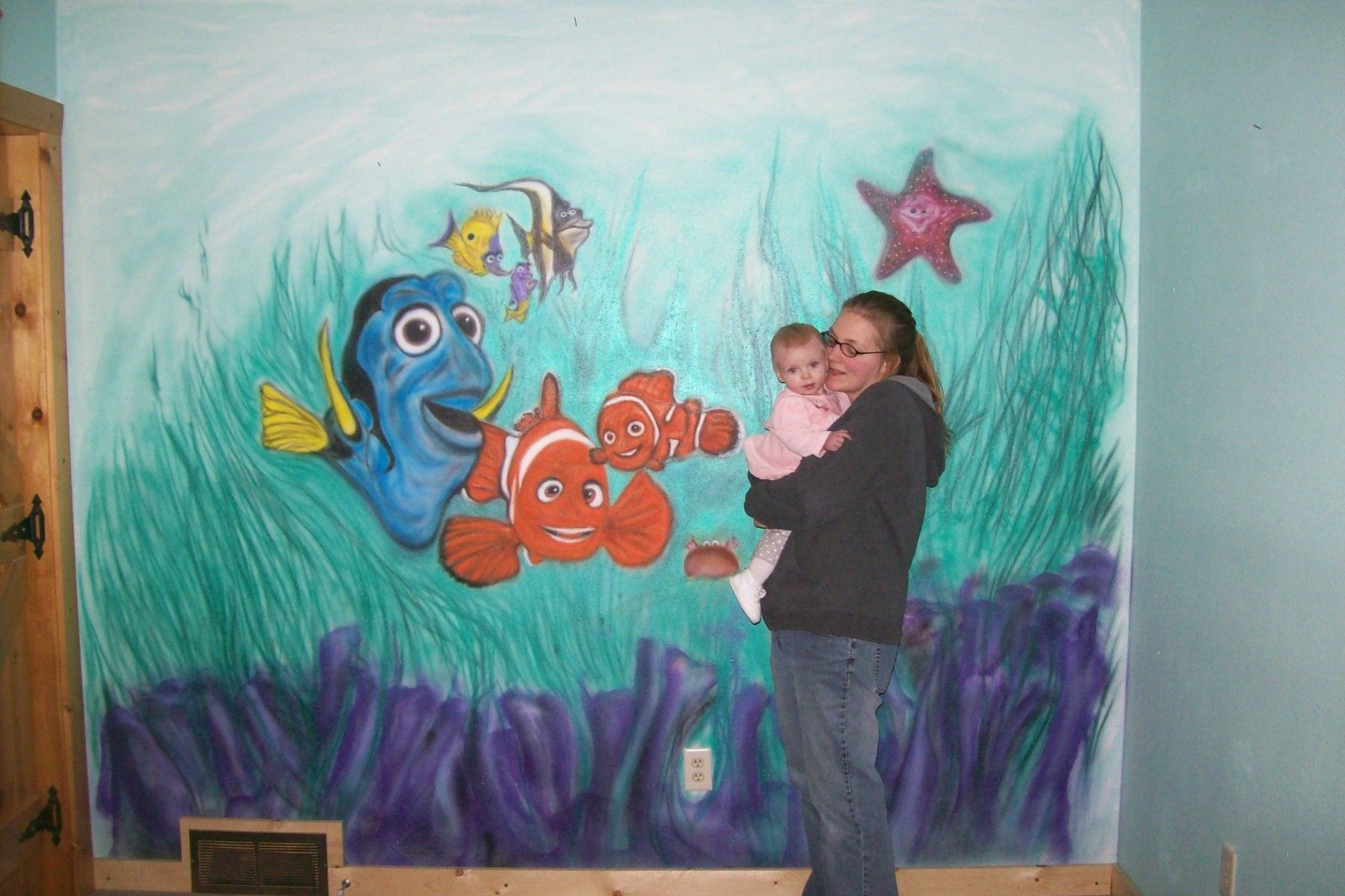 Custom nemo airbrushed wall mural by drew 39 s up north for Airbrushed mural