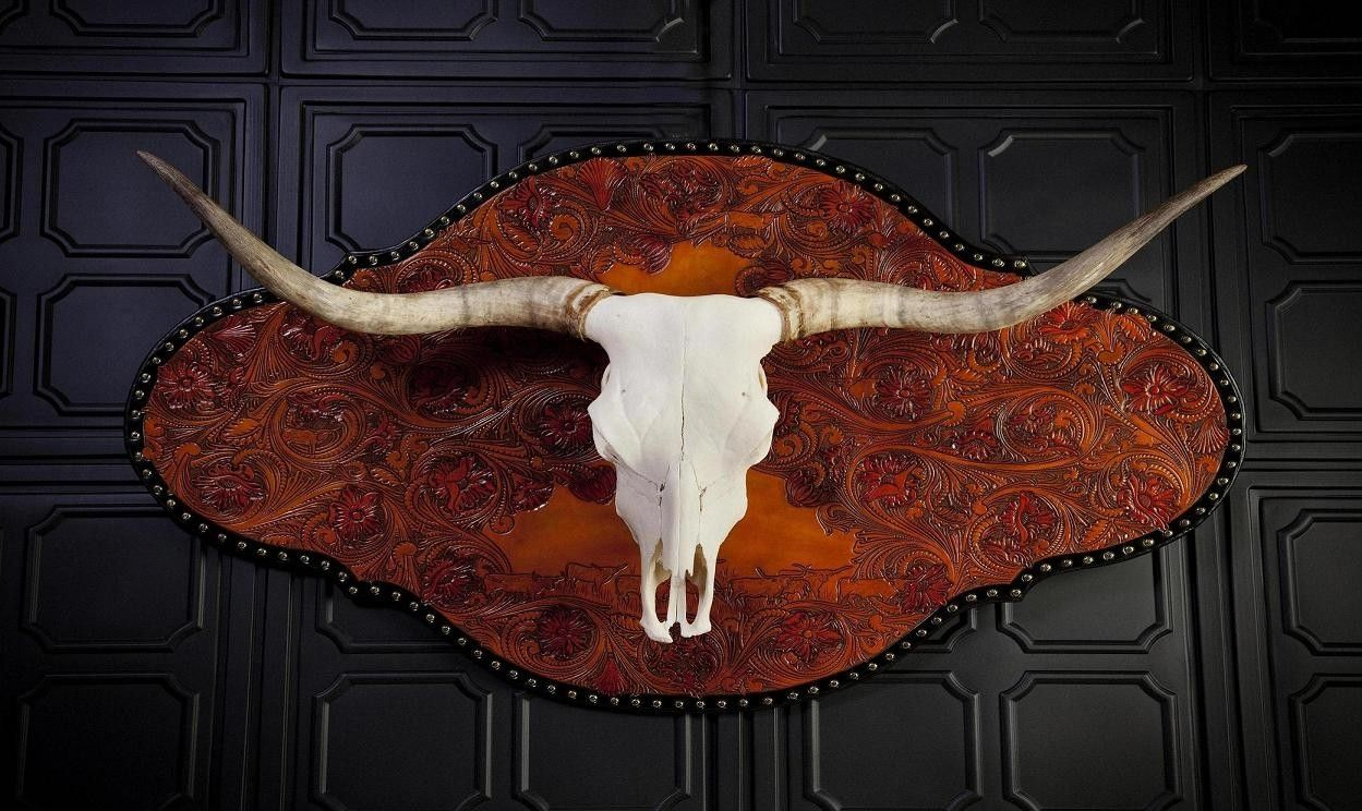 Hand Crafted Maxamillion Longhorn Skull Wall Mount By