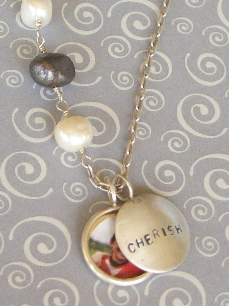 How to Print and Fit The Perfect Size Photo for a Locket - CREATIVE Tiffany locket photo sizer