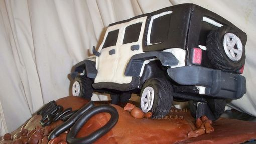 "Custom Made ""Climbing 40"" Jeep Rubicon Cake"
