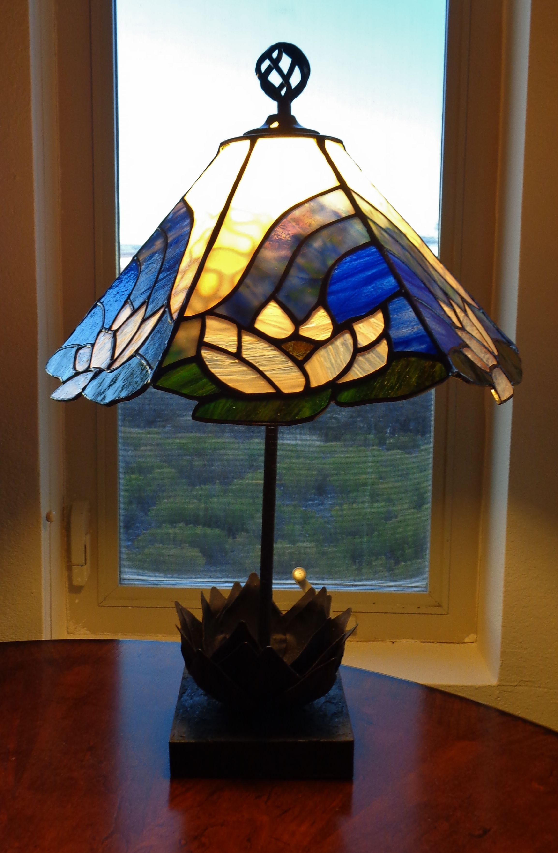 Buy A Hand Crafted Lotus Flower Stained Glass Lamp Made
