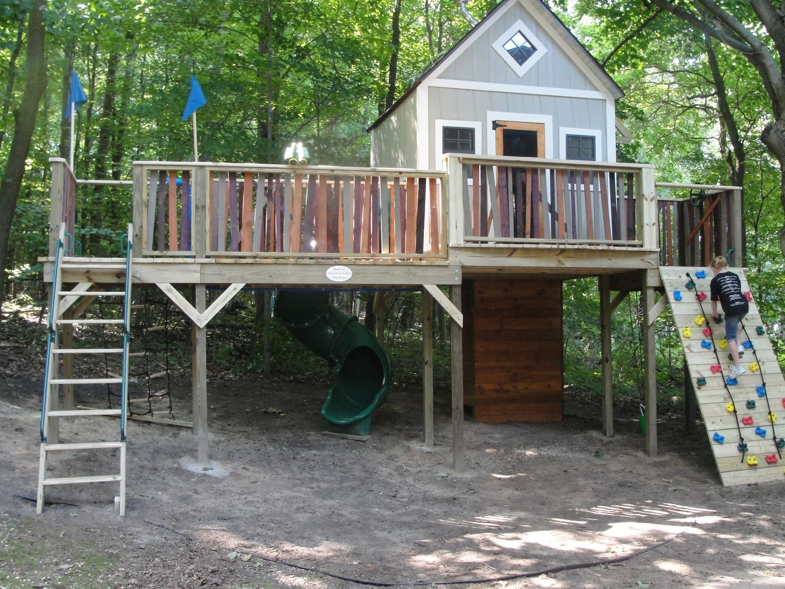 Custom Made Tree Fort By Out On A Limb Playhouses