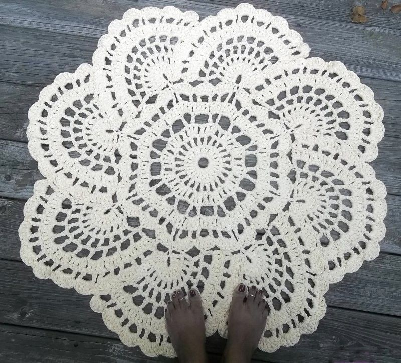 "Hand Crafted Cotton Crochet Doily Rug In 36"" Circle Lacy"