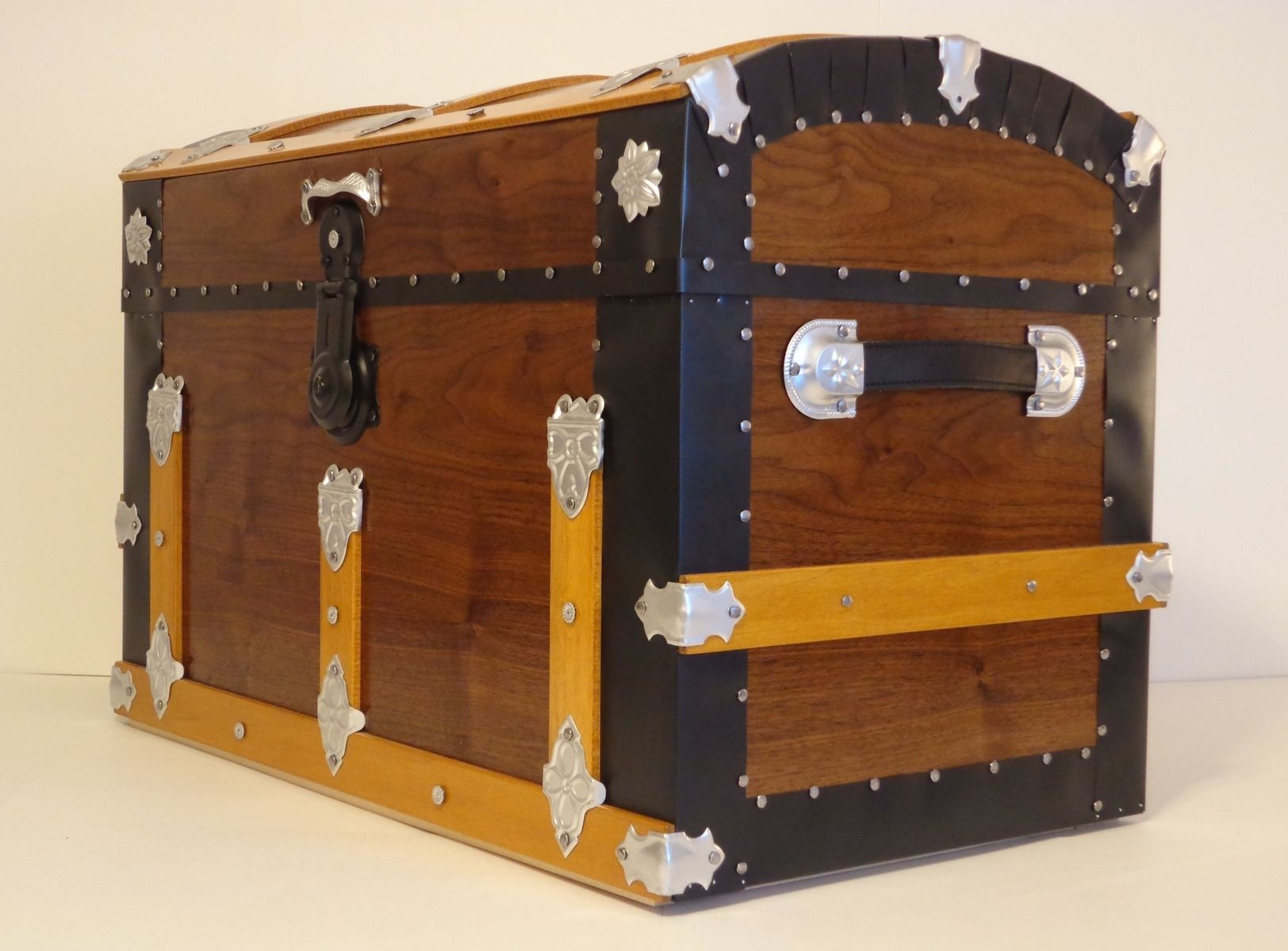 custom made walnut steamer trunk dome top trunk blanket chest storage chest antique trunk by. Black Bedroom Furniture Sets. Home Design Ideas