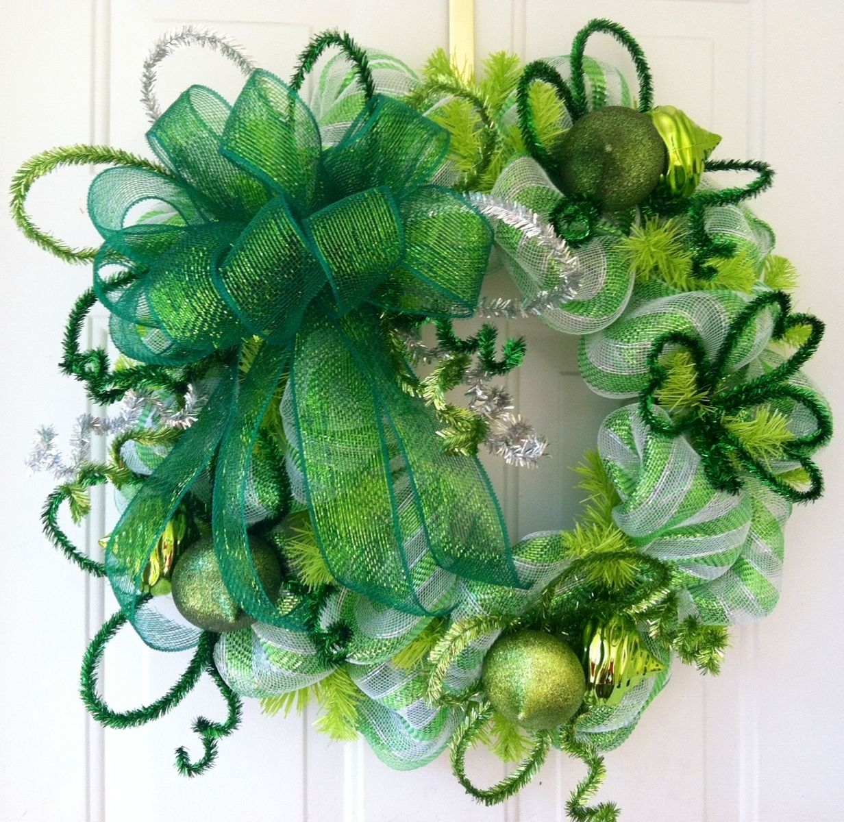 Hand made st patrick 39 s day whimsical lime green white for Decoration saint patrick