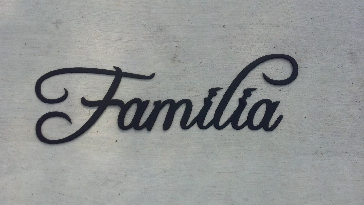 Hand made familia word spanish word for family metal wall for Decoration word