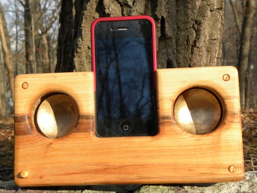 Custom Made Resonator For Iphone