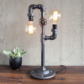 Iron Pipe Table Lamp