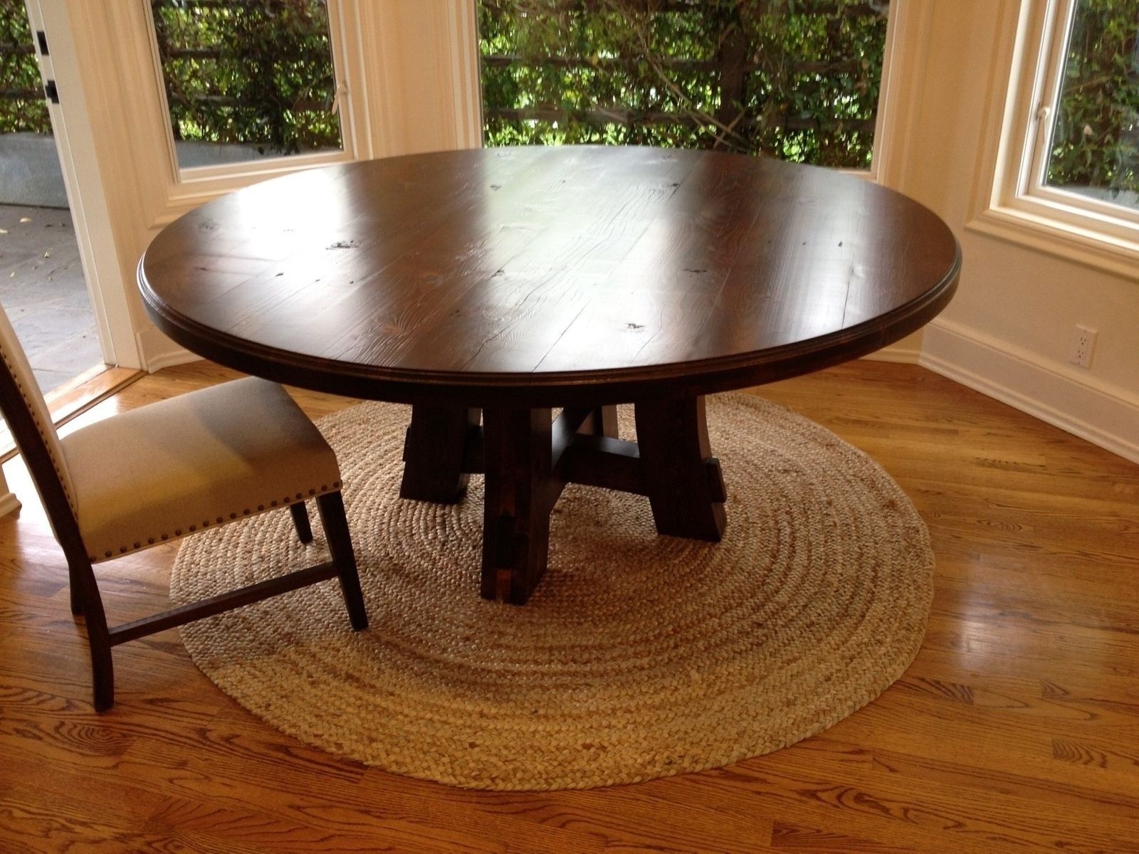 custom carruthers 70 round table by farmhouse table company. Black Bedroom Furniture Sets. Home Design Ideas