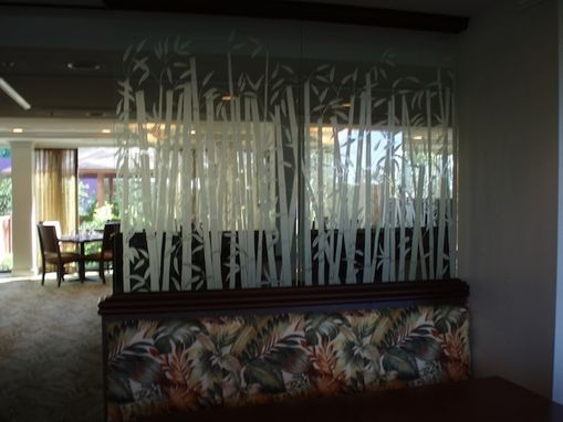 Custom Made Restaurant Etched Glass Booth Dividers