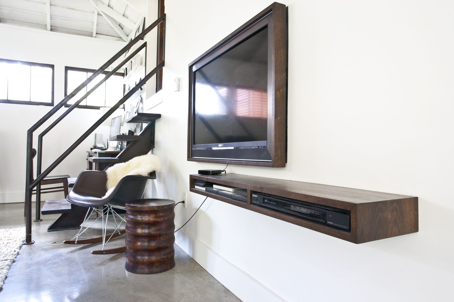 Custom minimal floating tv wall console by the last - Made com meuble tv ...