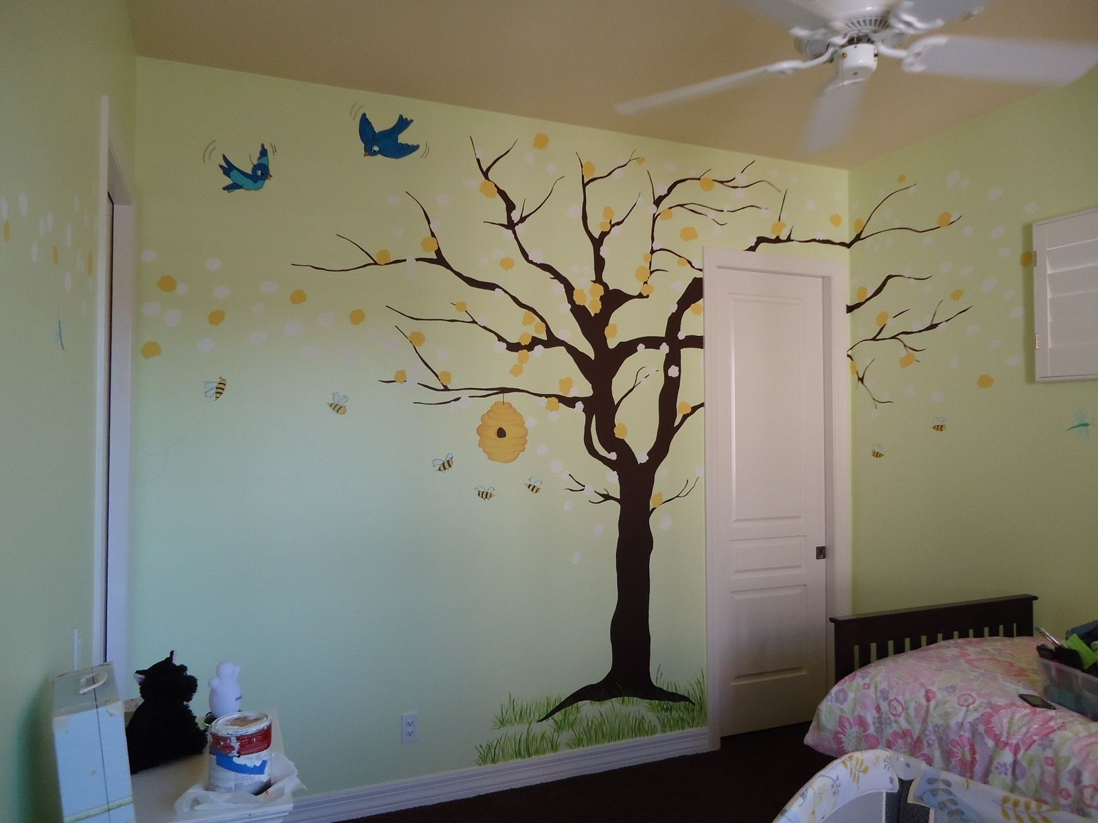Hand made honey bee mural by kid murals by dana for Bumble bee mural