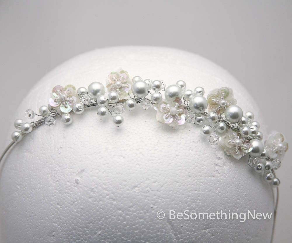 Hand crafted wired pearl tiara with sequin flowers - Como hacer bisuteria en casa ...