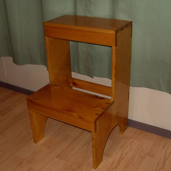 Custom Dovetail Shaker Step Stool By The Frugal Woodworker