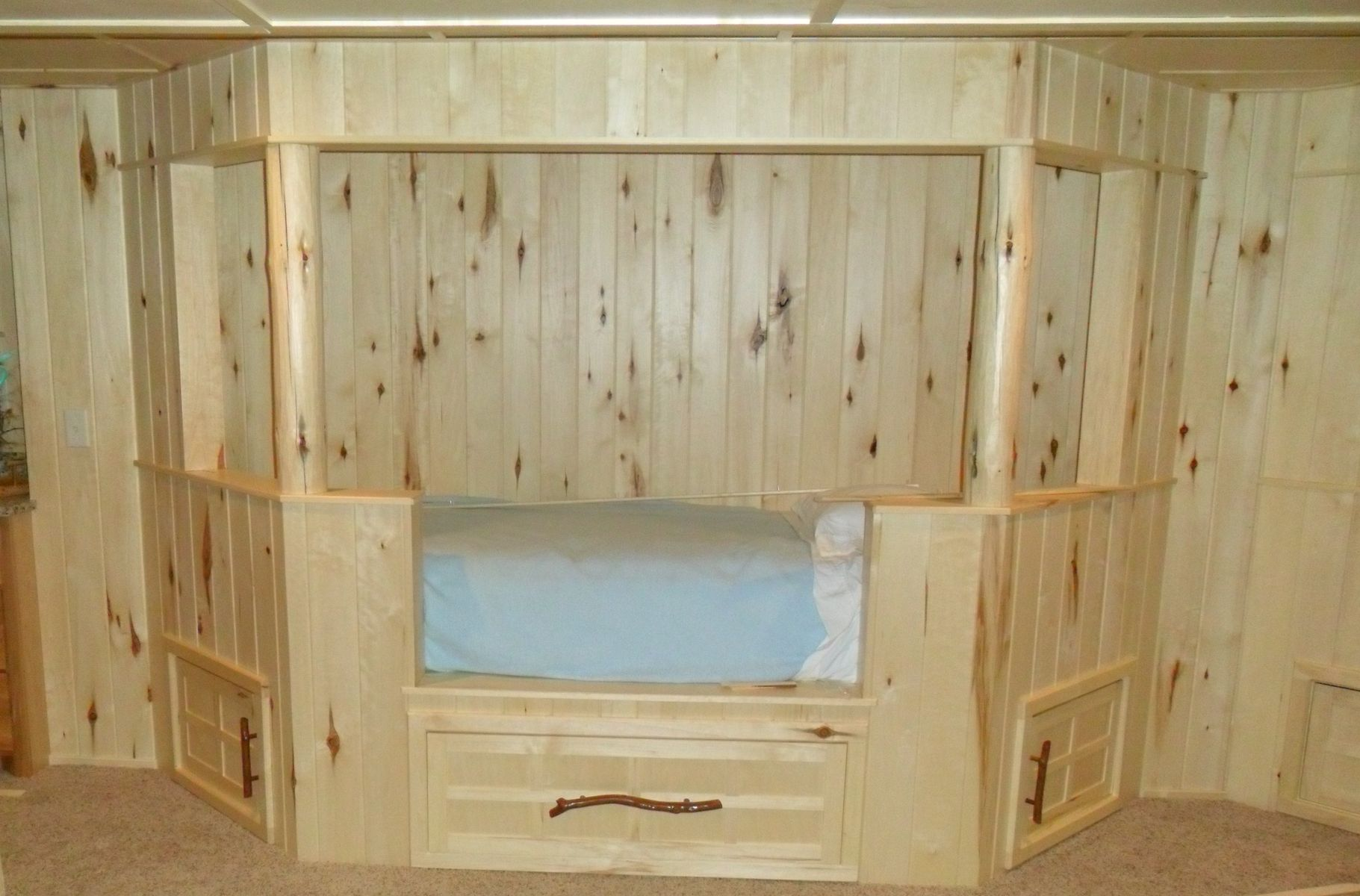 Custom Conroy Cottage At Whitefish Built In Beds With