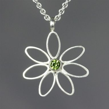 Custom Made Daisy Neck W-Stone (Peridot)