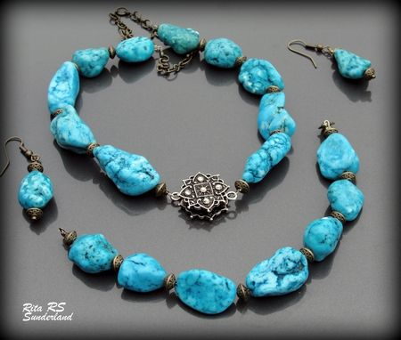 Custom Made Magnesite Vintage Style Jewelry Set