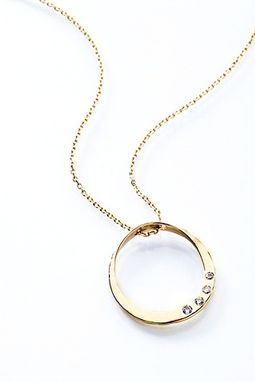 Custom Made Gold Eternal Circle Pendant - Mother's Necklace