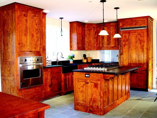 Custom Made Shaker Kitchen In Tiger Maple