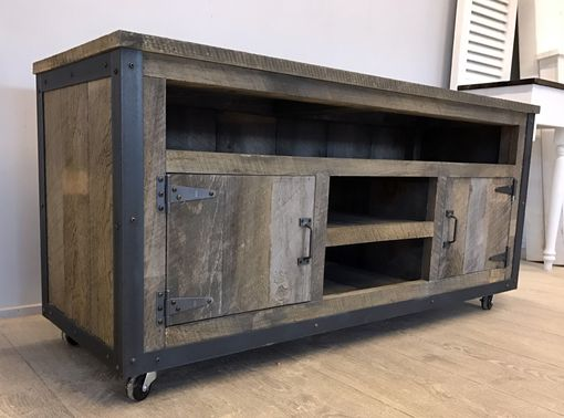 Custom Made Rustic Industrial Weathered Barn Board Entertainment Center Tv Stand Reclaimed Wood 52