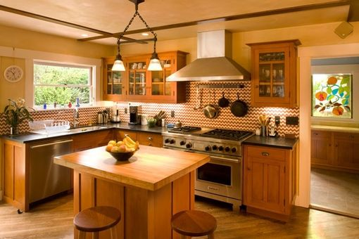 Custom Made Arts And Crafts Kitchen