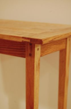 Custom Made Elegant Handmade Traditional Oak End / Side Table