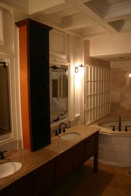 Custom Made Cabinetry/Shelf/Wainscoting/Wall Panelling/Coffered Ceiling