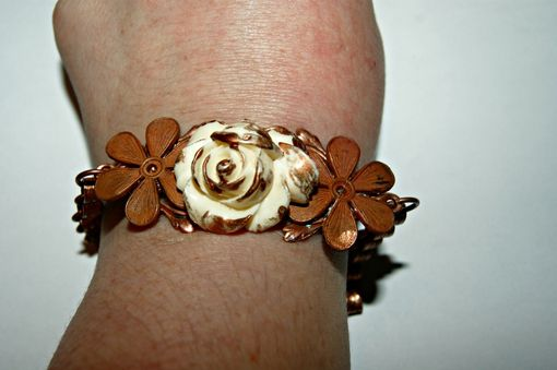 Custom Made Ooak Bracelet - Vintage Cast Copper, Resin Flower, Tulip Cap And Bead