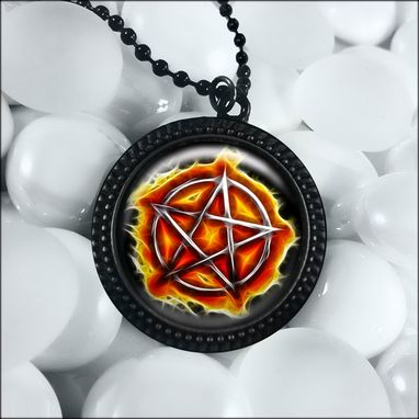 Custom Made Flaming Chrome Pentagram Black Pentacle Necklace 328-Jbrn