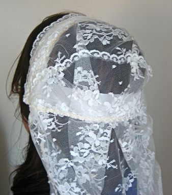 Custom Made Morgan - Vintage Style Handmade Lace Fingertip Veil Juliet Cap Mantilla