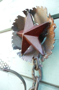 "Custom Made Saw-Blade Flower Wall Hanging - ""Don't Mess With Texas"""