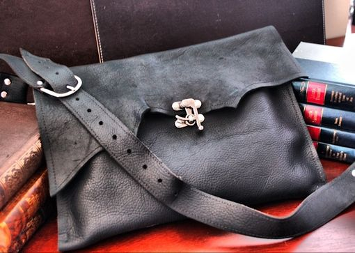 Custom Made Portland Industrial Leather Messenger Bag – Swing Clasp Hardware