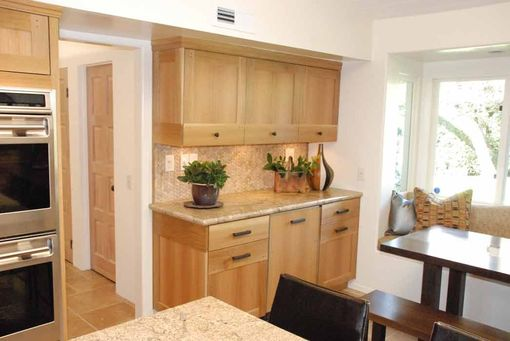 Handmade Kitchen With Modified Shaker Deign In Rift Cut