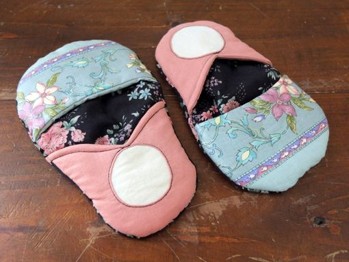 Custom Made 2 Matryoshka Pot Holders Microwave Oven Mitts Pink/Black Vintage Country Folk Handmade