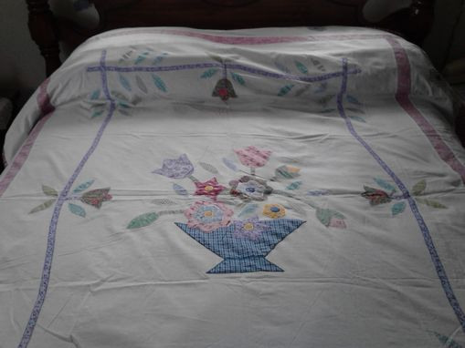 Custom Made Appliqued Quilt With A Bouquet Of Flowers