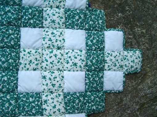 Custom Made Ivy Lattice Works Lap Quilt