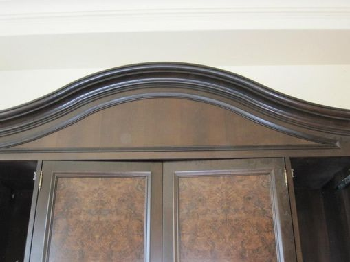 Custom Made Wet Bar With Curved Cornice
