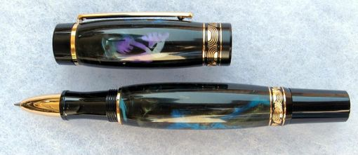 Custom Made Pens, Razors Made Of Acrylics And Resins.  Fiber Materials And Stone.