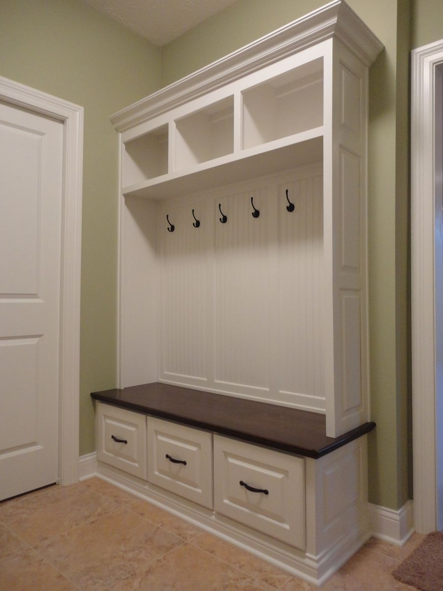 Handmade maple mudroom bench by speck custom woodwork for Mudroom locker design plans