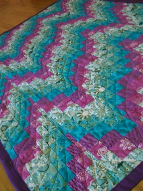 Custom Made Creative Curves Quilt