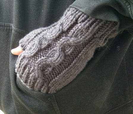 Custom Made Thick And Warm Cabled Fingerless Gloves For Men - In Charcoal Gray