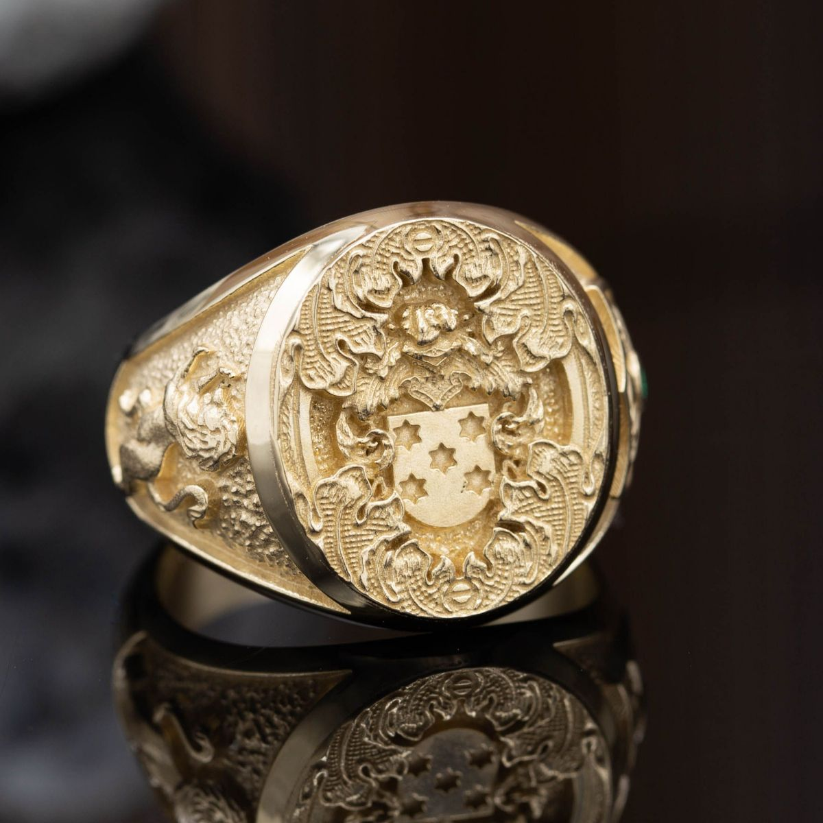 custom family crest rings design your own coat of arms. Black Bedroom Furniture Sets. Home Design Ideas