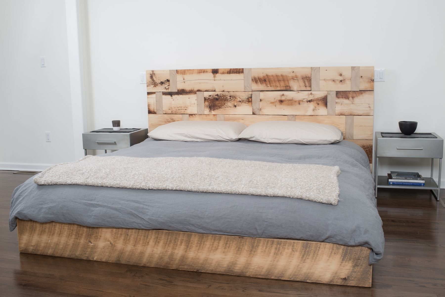 hand made reclaimed wood platform bed by rhg architecture design. Black Bedroom Furniture Sets. Home Design Ideas