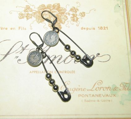 Custom Made Soft Steampunk Earrings - Ooak - Clothes Pin - Clock