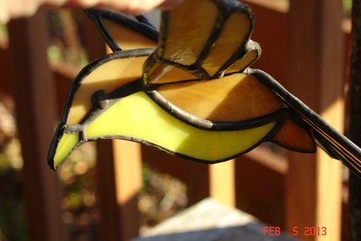 Custom Made 3d Flying Stained Glass Bird In Shades Of Yellows And Brown 7 X 6.5 Sz