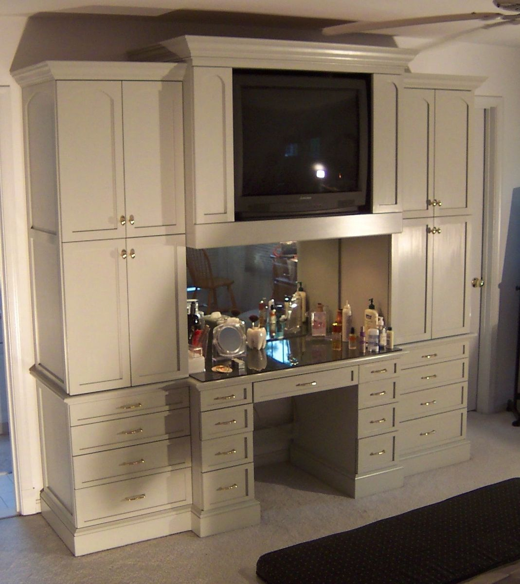Custom bedroom cabinet and makeup table by sjk woodcraft design - Custom made cabinet ...