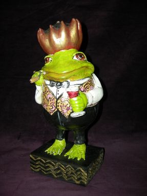 Custom Made Frog Gourd Sculpture