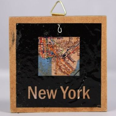 Custom Made Subway Map Neck New York (Ruby)