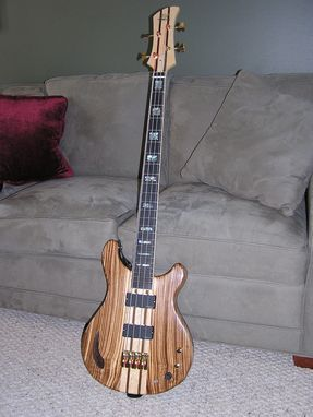 Custom Made 4-String Electric Bass Guitar